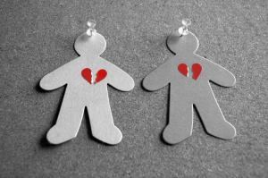 iStock-paperdoll-hearts